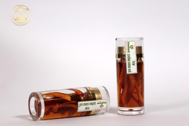 Sản phẩm được đóng từng lọ nhỏ, dễ sử dụng, vị ngọt thanh